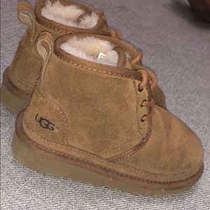 Kids ugg boots size 9